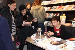 Les auteurs Cécile WERY et Vincent SARTI présentant son livre L'ange libertin à la Foire du livre de Bruxelles