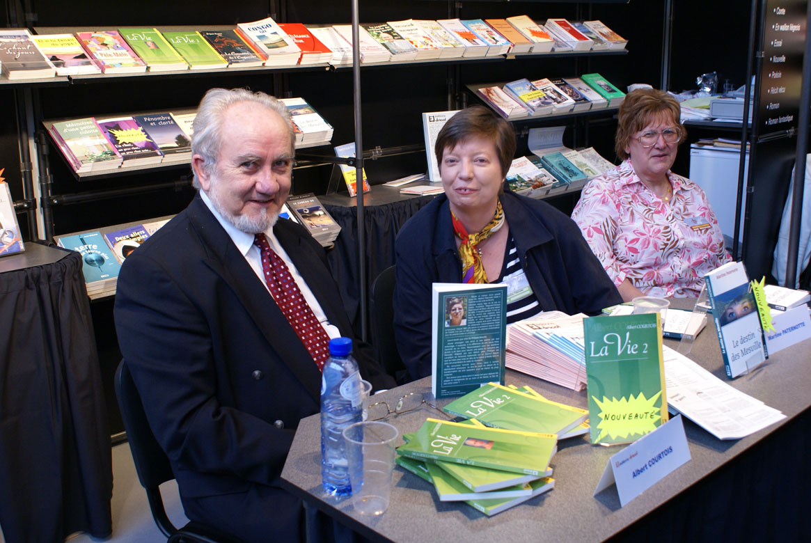 Albert COURTOIS et Martine PATERNOTTE en dédicace à la foire de Bruxelles